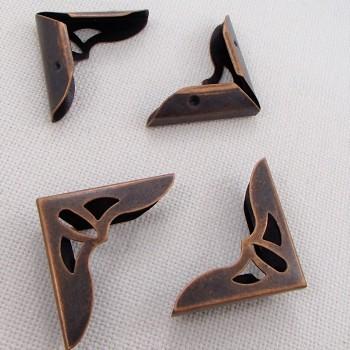 Уголок металлический с вырезами,  цвет «медь», большой, 1 шт.