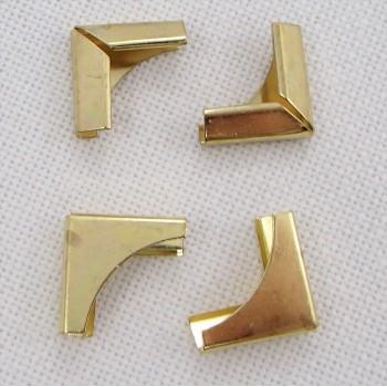 Уголок металлический,  цвет «золото», маленький, 1 шт.