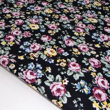 Ткань для рукоделия «Пасторальные цветы. Черный»,  отрез 50х70 см.