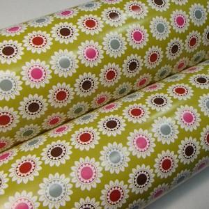 Подарочная бумага глянцевая «Цветы на зеленом», 53х75 см., 1 лист